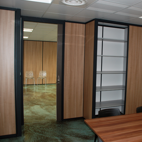 d couvrez toutes les cloisons de bureau de ouest rayonnage. Black Bedroom Furniture Sets. Home Design Ideas